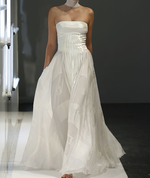 BRIDAL DRESSES MADE FOR EACH BRIDE ON AN EXCLUSIVE BASES ACCORDING WITH THE PERSONALITY AND DREAMS OF EACH WOMAN